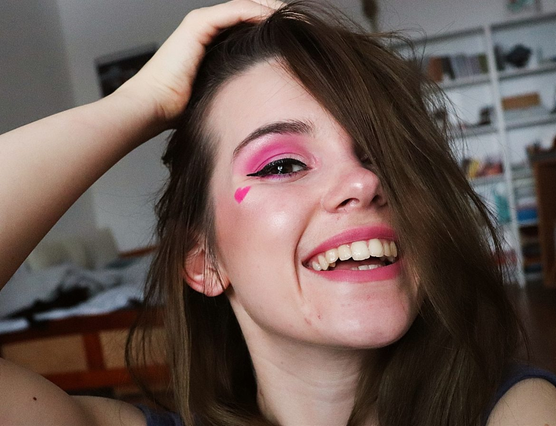 pink look. 🌸